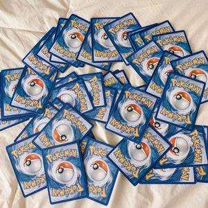 MYSTERY POKÉMON CARD GRAB BAG (64 CARDS)